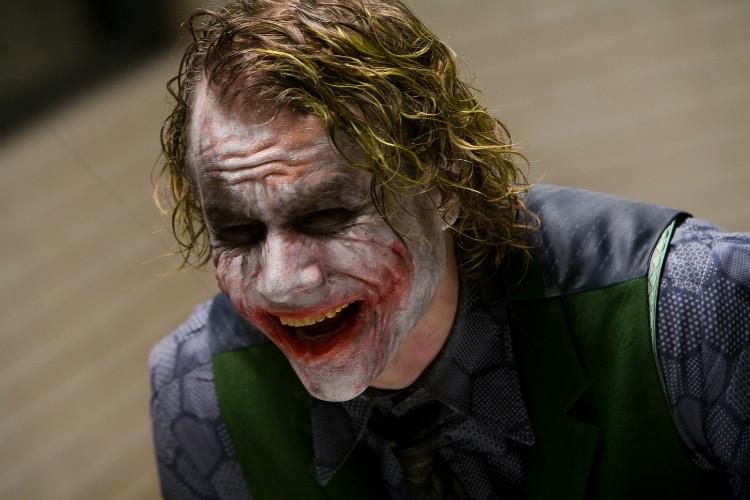 joker-laughs