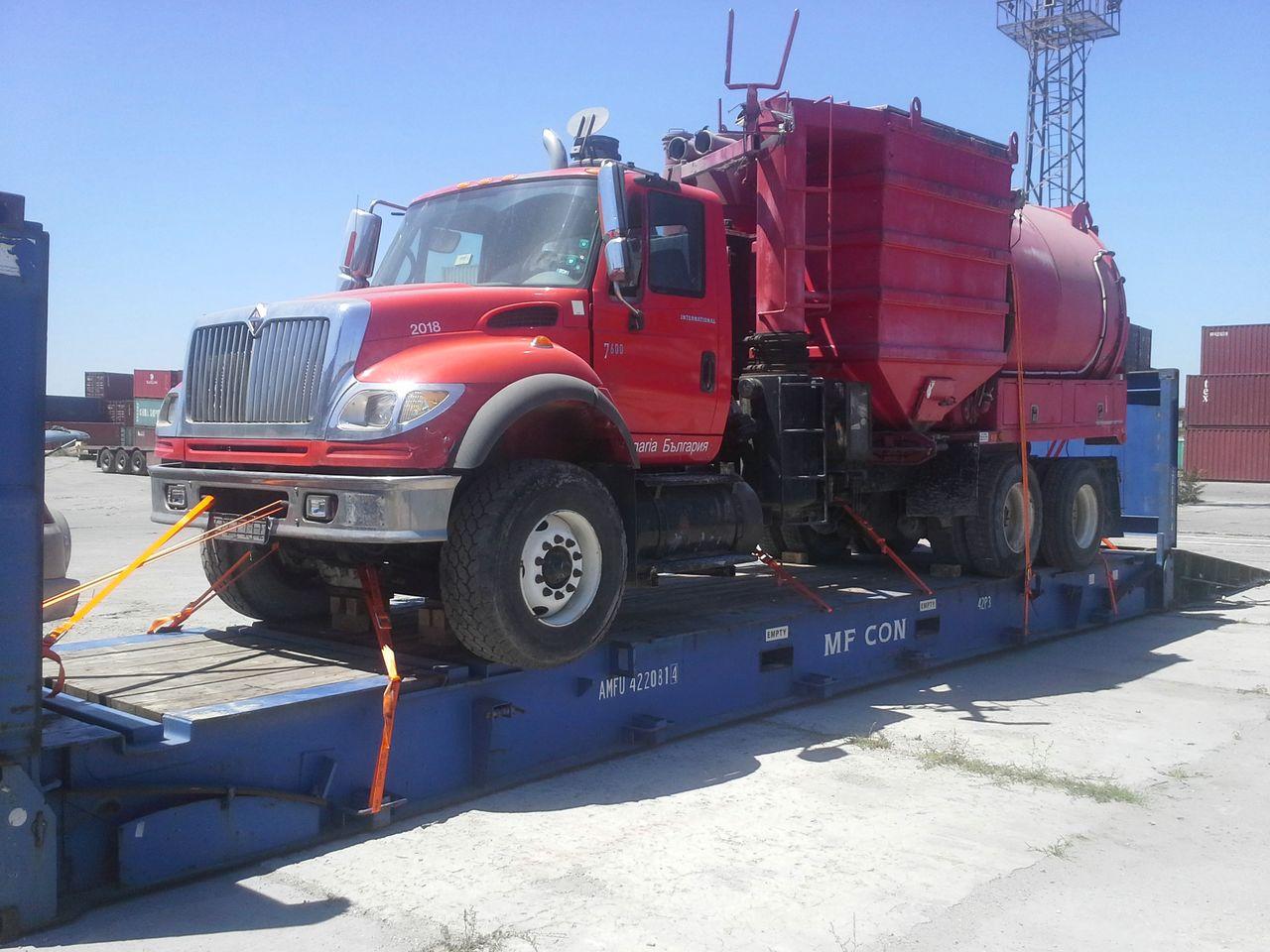 Cat Tech truck