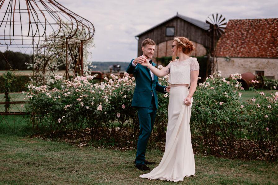 Les Bonnes Joies à Lainville en Vexin, Photographe Océane Drollat, Lieu de Mariage, Wedding, Robe : Anna Dautry, Costume : L'apiéceur