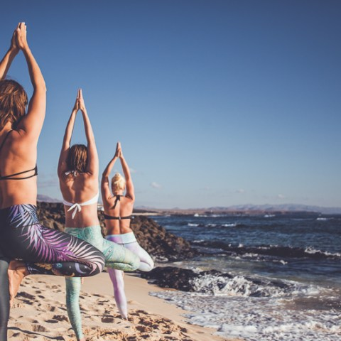 beach yoga classes