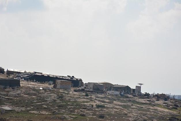 The Palestinian herding community of Khirbet ar Ratheem