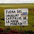 Uy_aratiri_Carteles_contra_la_minera_2_120