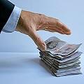 billetes_agarrando_120