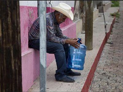 mexicano sin agua