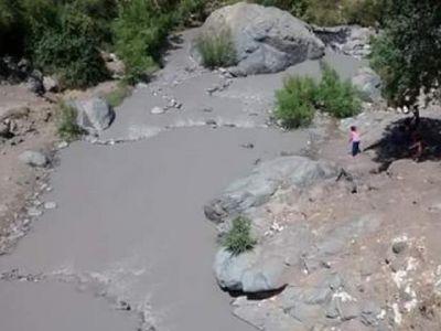 derrame rio colina