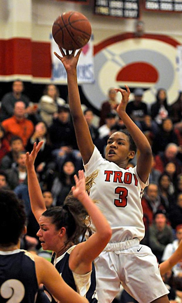 Troy's Kianna Smith shoots against Sonora in a Freeway League game on Jan. 20, 2017. (MICHAEL FERNANDEZ, CONTRIBUTING PHOTOGRAPHER)