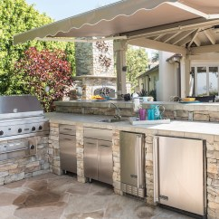 Outdoor Kitchens Stainless Steel Shelves For Kitchen Options Grow As Cooks Turn More To Orange County An At The Home Of Mary And Michael Fry In Yorba Linda On Friday June 2 2017 Photo By Nick Agro Register Scng