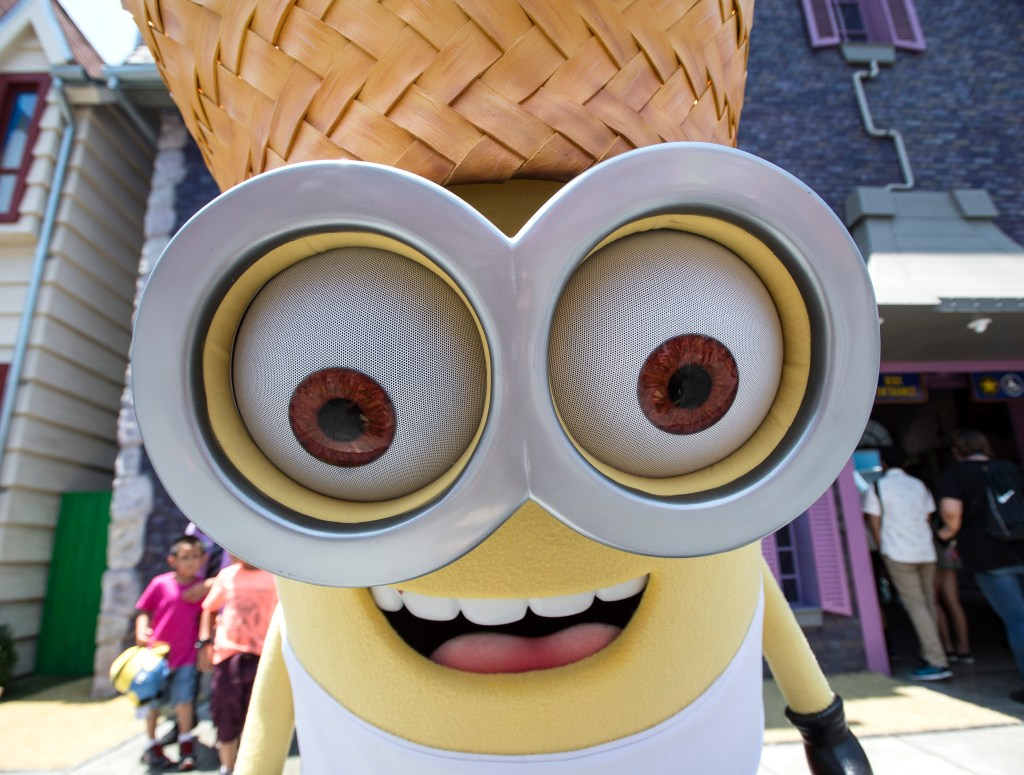 New Jail and Tourist Minions pop up at Universal Studios