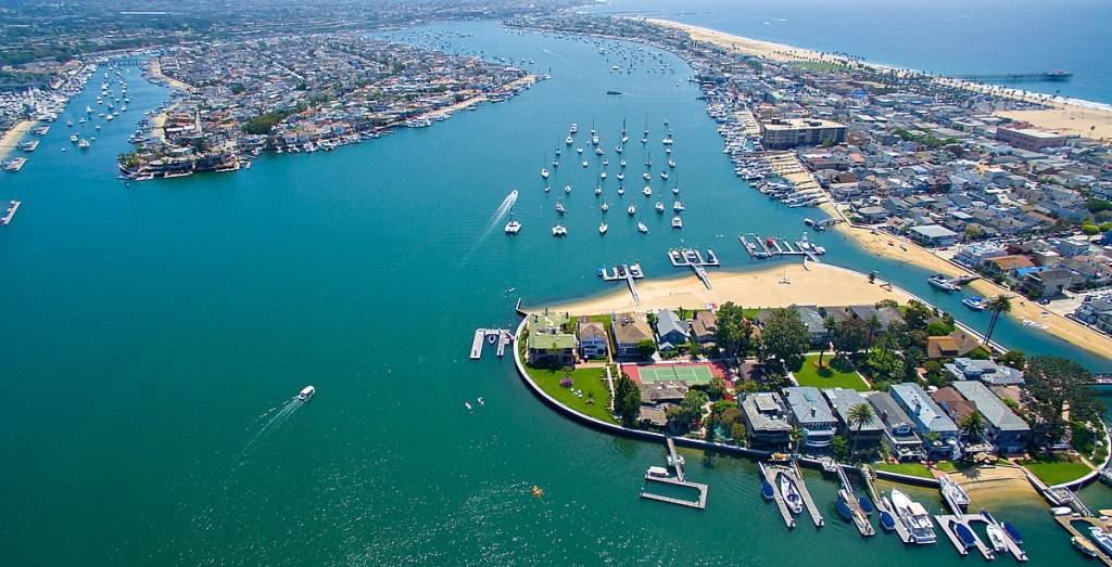 Home tour: Life at the tip of Newport Beach's Bay Island ...