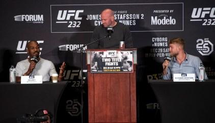 UFC 232: Amanda Nunes Stuns In 56-second KO Of Cris Cyborg