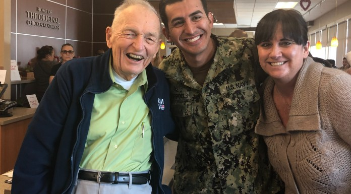 """Rossmoor Vet """"pays it forward"""" and backwards for military at local Chick Fil-A"""