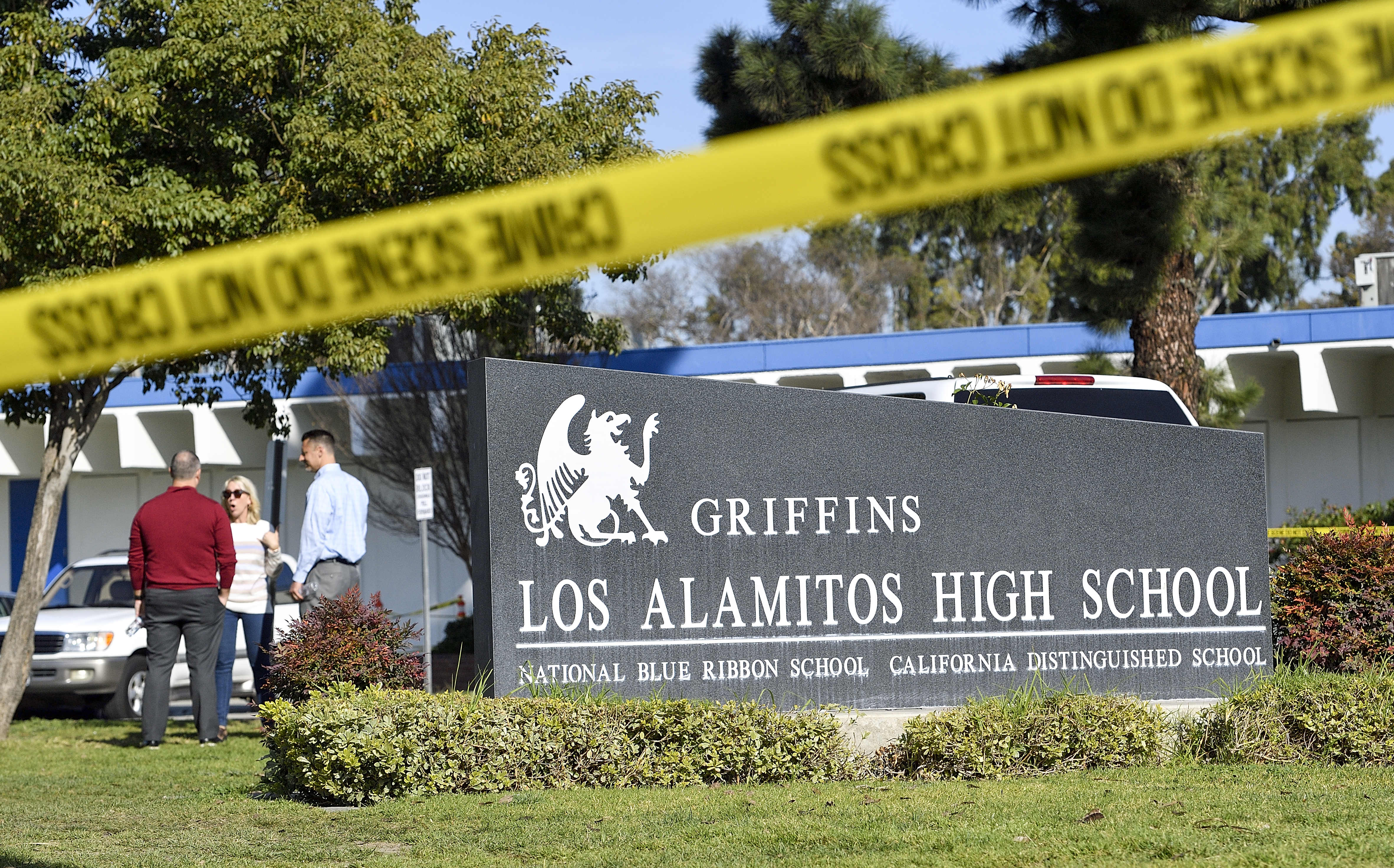 Los Al HS evacuated for suspicious backpack