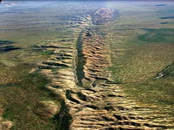 Earthquake Traveling along Californias San Andreas Fault