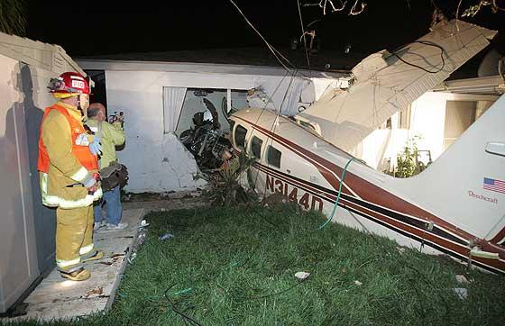 Plane crashes into neighborhood in Buena Park  Orange