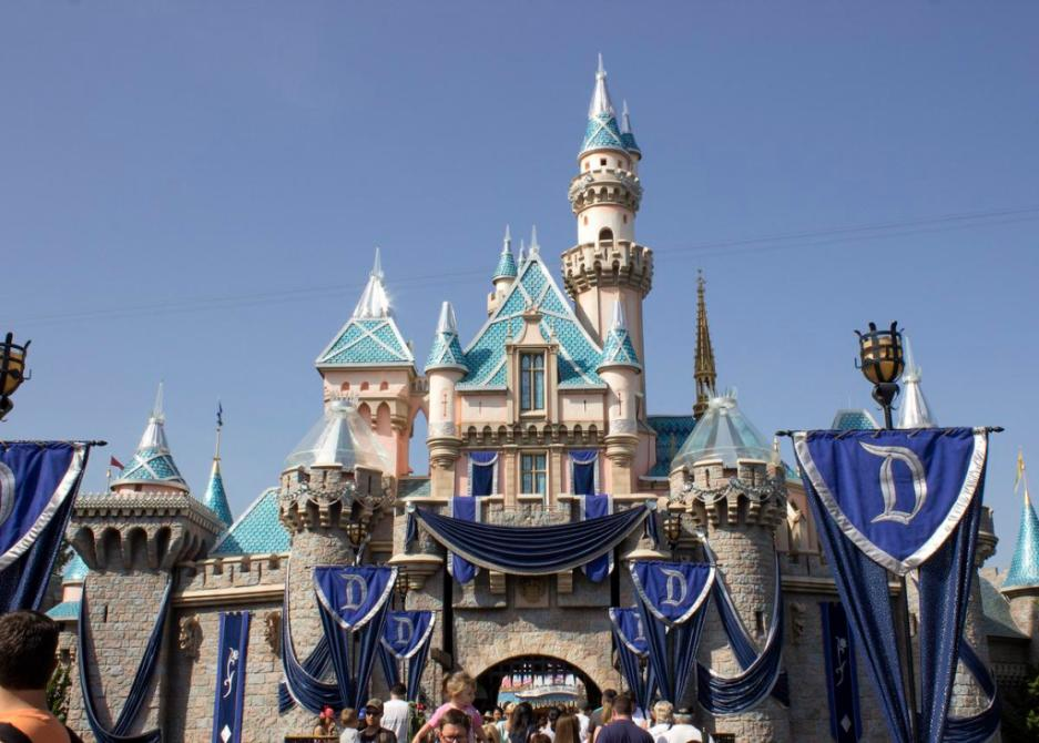 Disney wants to invest 1 billion at Disneyland