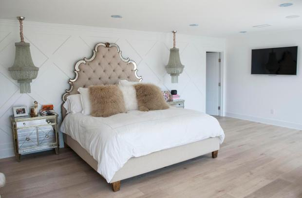 OC Real Housewife Kelly Dodd takes us on a tour of the home shes selling for 625 million