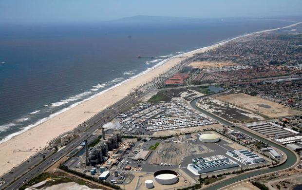Poseidon Resources Inc. needs final approval from the State Lands Commission and the Coastal Commission before starting construction on its $350 million facility at Pacific Coast Highway and Newland Street in Huntington Beach. (File rendering courtesy of Poseidon Resources Inc.)