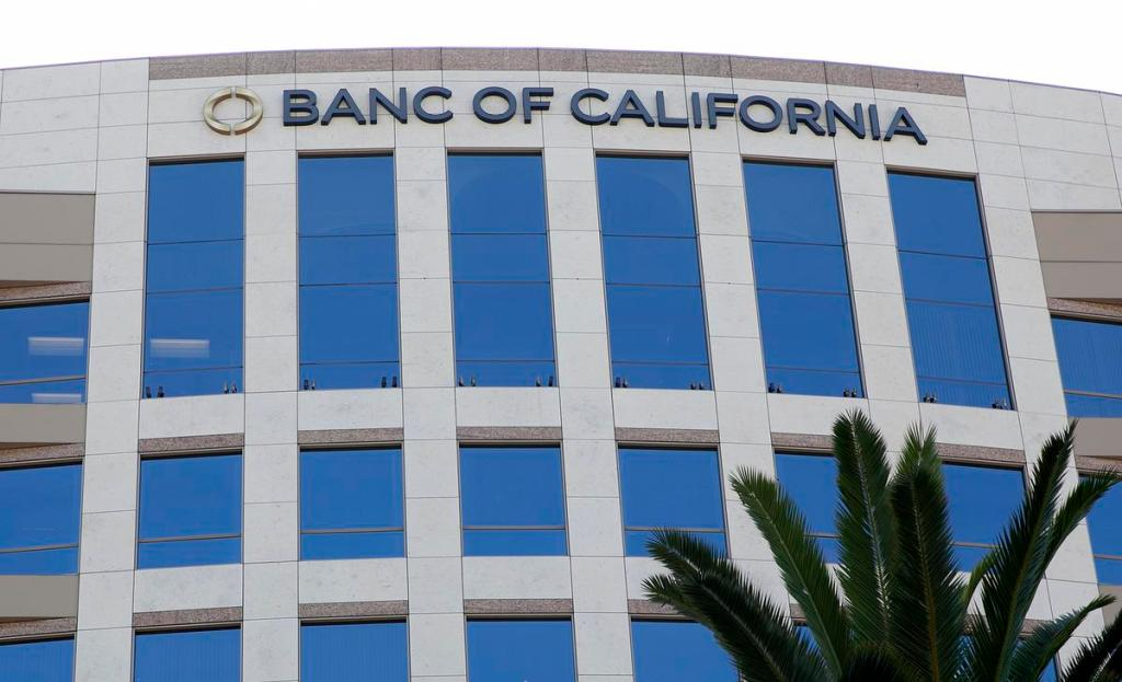 Banc of California expands board after reaching agreement