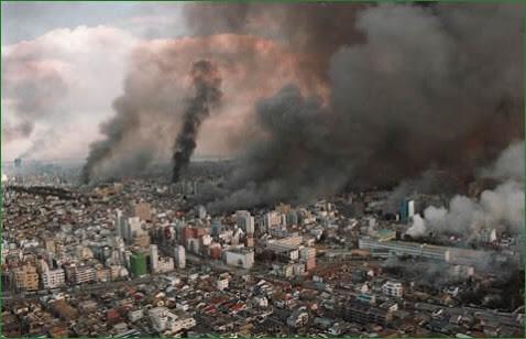 日本を襲った大地震を振り返る|緊急連絡網・安否確認システム「オクレンジャー」