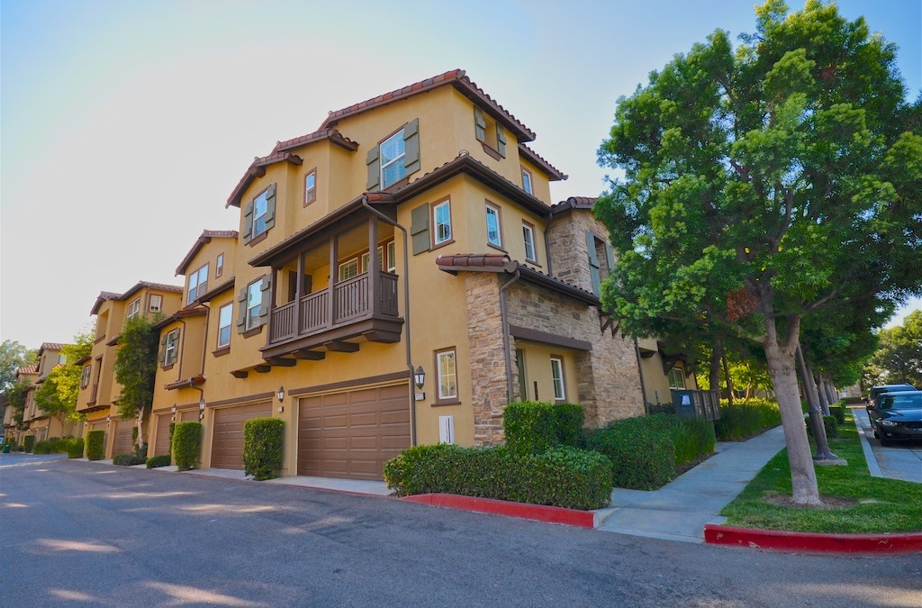2 Bedroom 2.5 Bath Condo in Ashton Green / Turtle Ridge Irvine