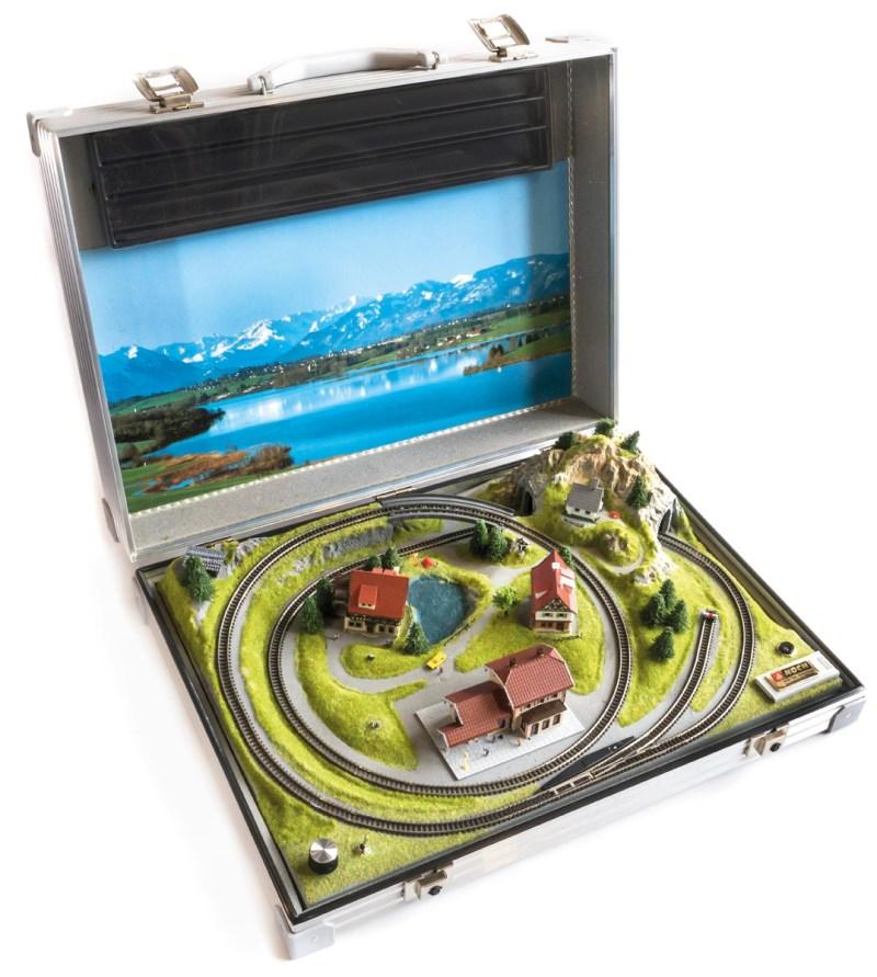 Eine Modelleisenbahn im Koffer