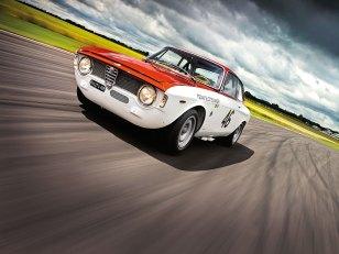 Der Alfa GTA auf der Rennstrecke.