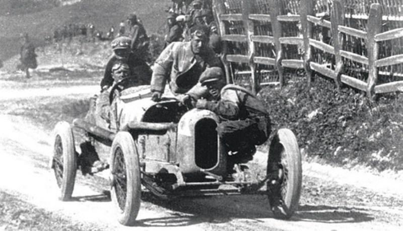 Alfa Romeo - Die Geschichte des grünen Kleeblatts
