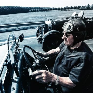 Mitglied des Benjafield's Racing Club fährt in seinem Bentley