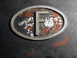 Voisin Aérodyne wähernd der Restaurierung und Detials im restaurierten Zustand