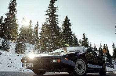 BMW M1 von schräg vorne aufgenommen