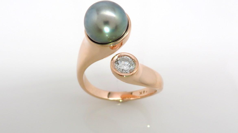 Bague or rose 14k serti d'une perle de tahiti de 9.8 mm et d'un diamant de .40ct