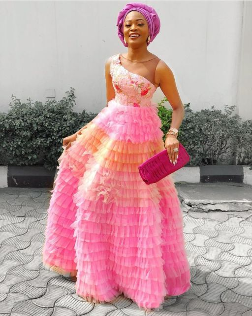 Aso Ebi Styles 2020 aso ebi styles 2020 - Aso Ebi Styles 2020 12 512x640 - 30 Aso Ebi Styles 2020 For Classy African Ladies To Try Out