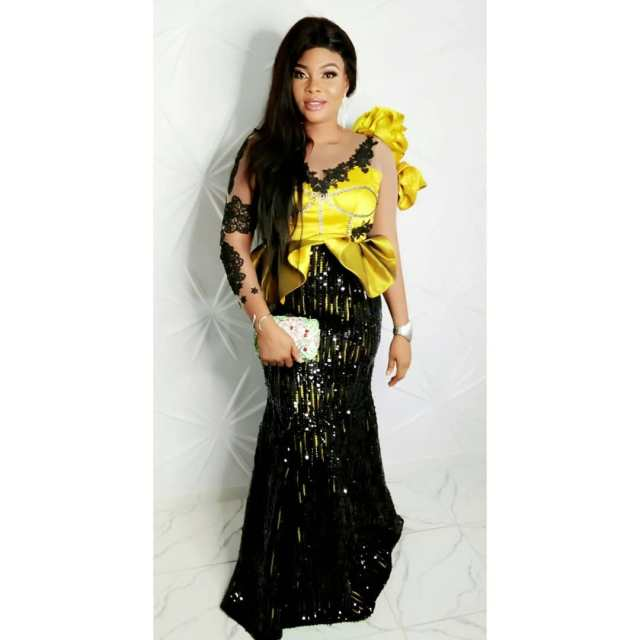 Aso Ebi Styles 2020 aso ebi styles 2020 - Aso Ebi Styles 2020 18 640x640 - 30 Aso Ebi Styles 2020 For Classy African Ladies To Try Out