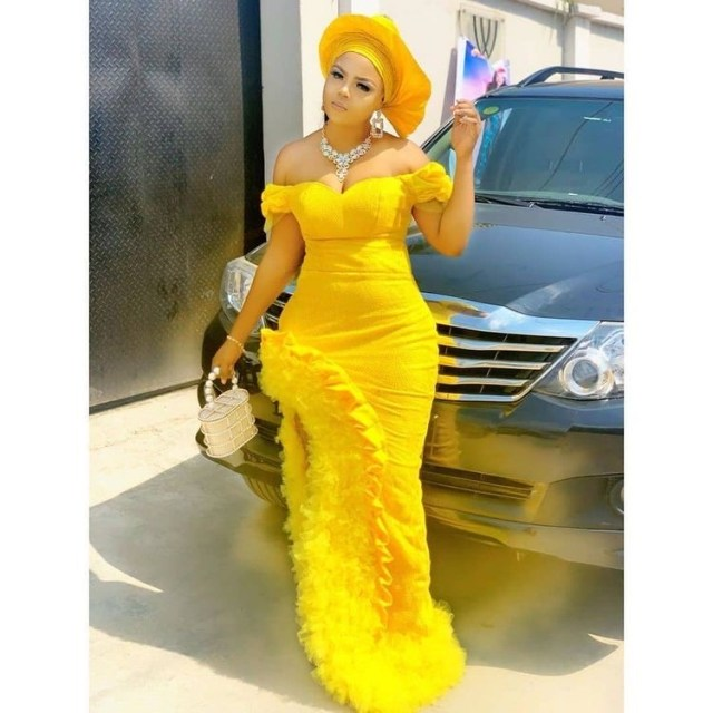 Aso Ebi Styles 2020 aso ebi styles 2020 - Aso Ebi Styles 2020 25 640x640 - 30 Aso Ebi Styles 2020 For Classy African Ladies To Try Out