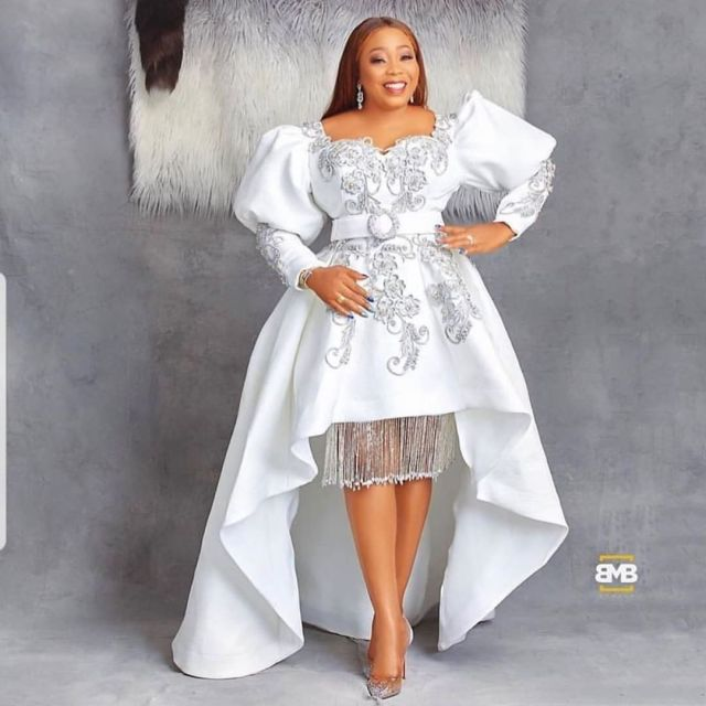 50 Most Beautiful and Creative Wedding Guest Styles You Will Love wedding guest styles - od9jastyles aso ebi styles 3 1 640x640 - 100 Most Beautiful and Creative Wedding Guest Styles You Will Love