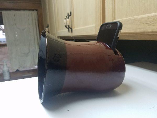 2016 pottery design - cell phone speaker