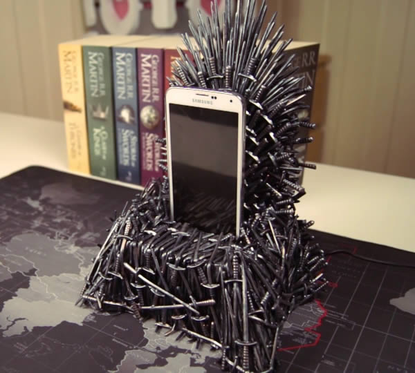 iron throne chair backboard wheelchair egypt 10 of the coolest got renditions oddee 2iron phone charger