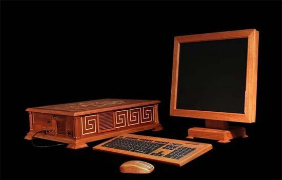 wooden_computer2.jpg