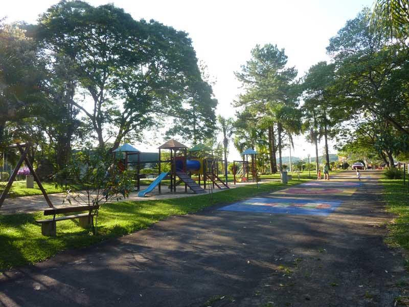 Playground-Patrimonio-do-Carmo-Guia-Comercial-O-Democrata