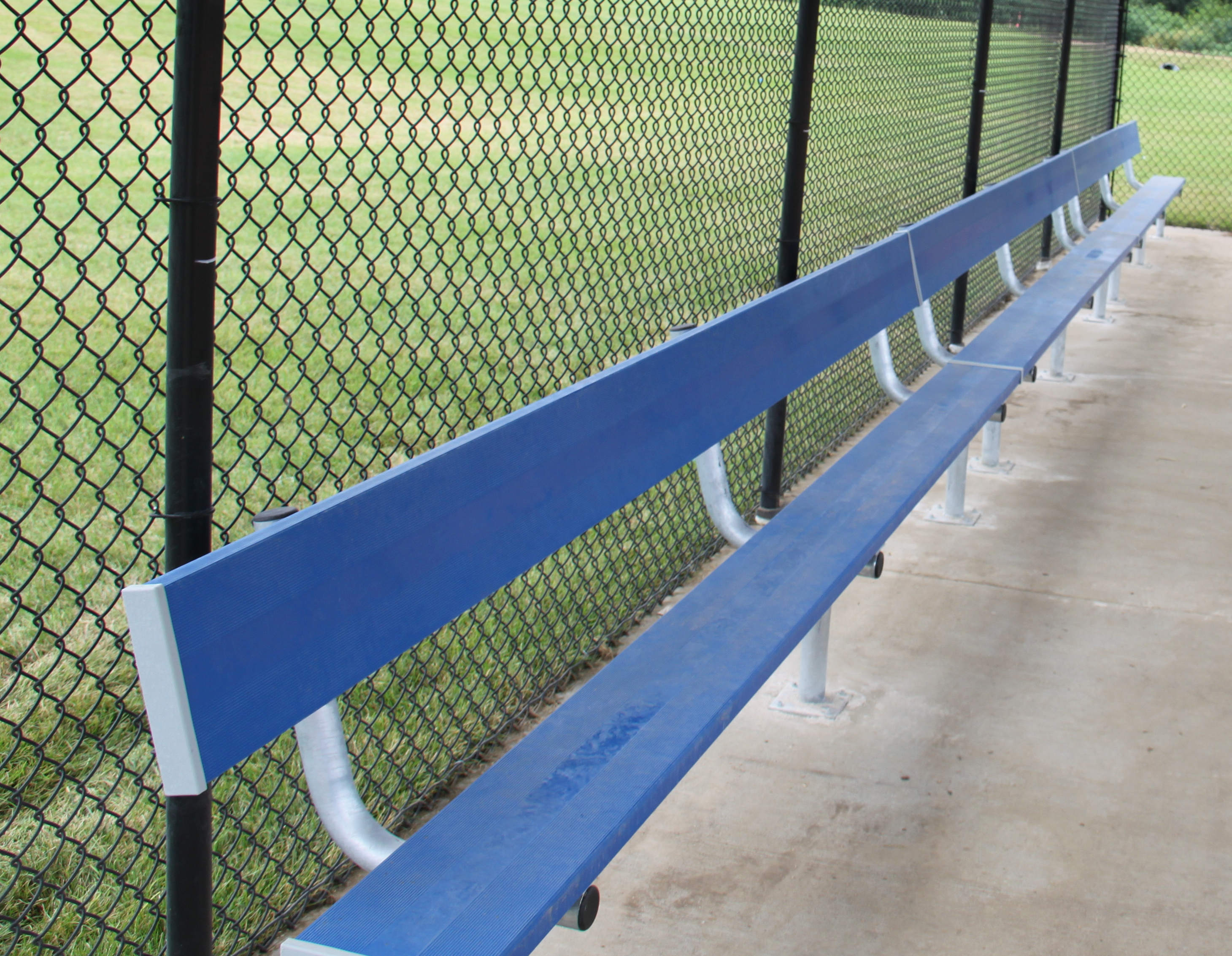 player bench with backrest