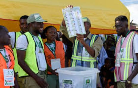 NYSC members on duty during the 2019 general election.jpg