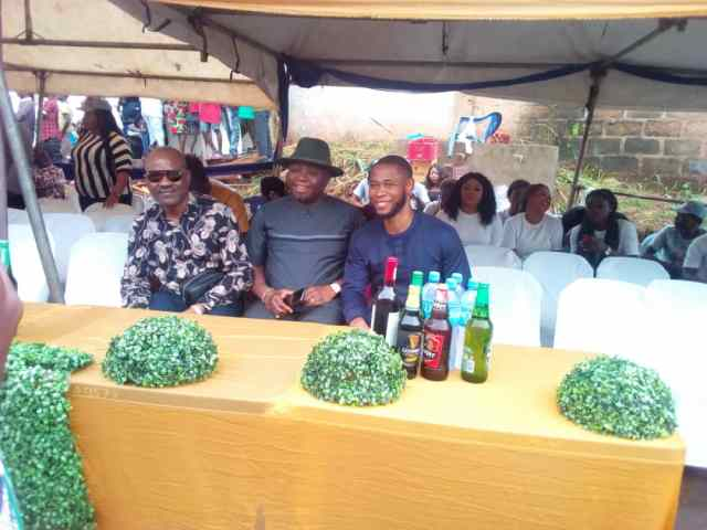 Dr, Emeka Okeke (right) with other dignitaties at the carnival