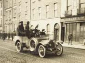 funeral-of-ric-and-corkman-major-philip-armstrong-holmes-killed-in-an-ambush-at-castleisland-in-1921