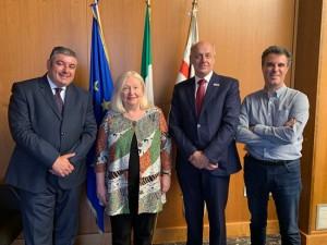 Da sinistra l'Assessore Quirico Sanna, Kathryn Kell Presidente FDI, il vice Gerhard Seeberger ed Enrico Lai (AIO)