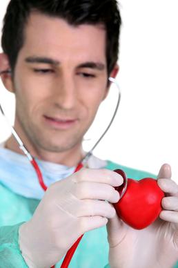 Jaký je normální krevní tlak a puls?