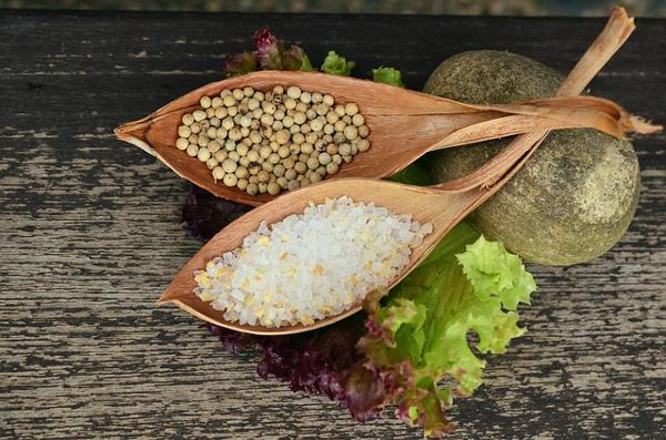Jak vyrobit domácí bylinkovou sůl?