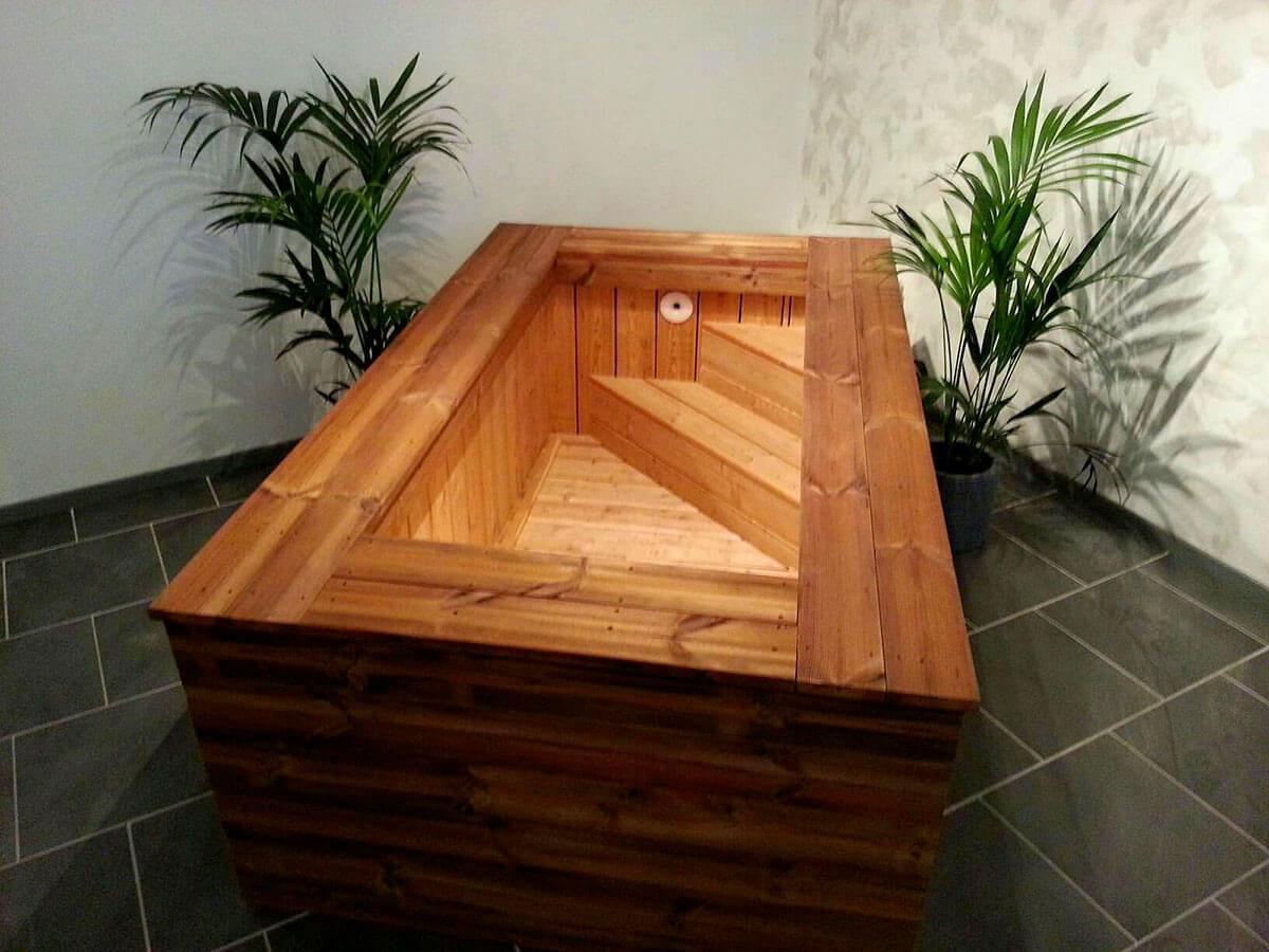 Un jacuzzi en bois dans votre salon  cest possible