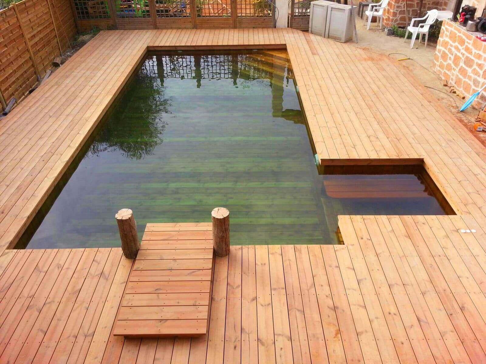piscine bois avec jacuzzi integre a nice superbe realisation dune piscine avec terrasse sur la totalite dun jardin la piscine integre un espace jacuzzi