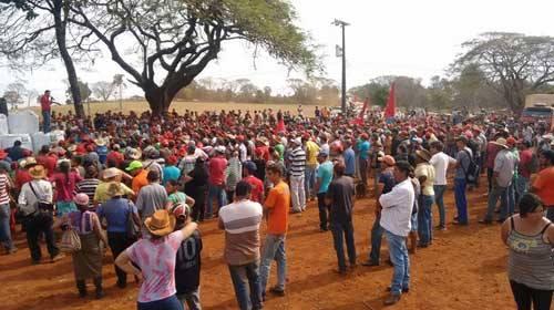 Famílias estão há 3 dias na Fazenda. Foto: Willian Eduardo Pereira, extraído da página do Facebook do grupo RPPN Brasil.