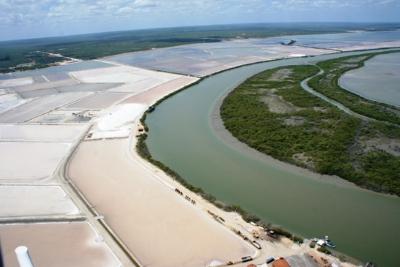 APP ocupada por salinas no Rio Grande do Norte. Foto: F. Souto.